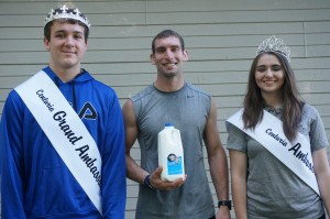 5K Milk Run Winner was Ryan Stridde with a time of 18.22. He was congratulated by Centuria Ambassadors Anthony Connolly and Payton Kelch. Winners in each age division received a half gallon of milk for their efforts.